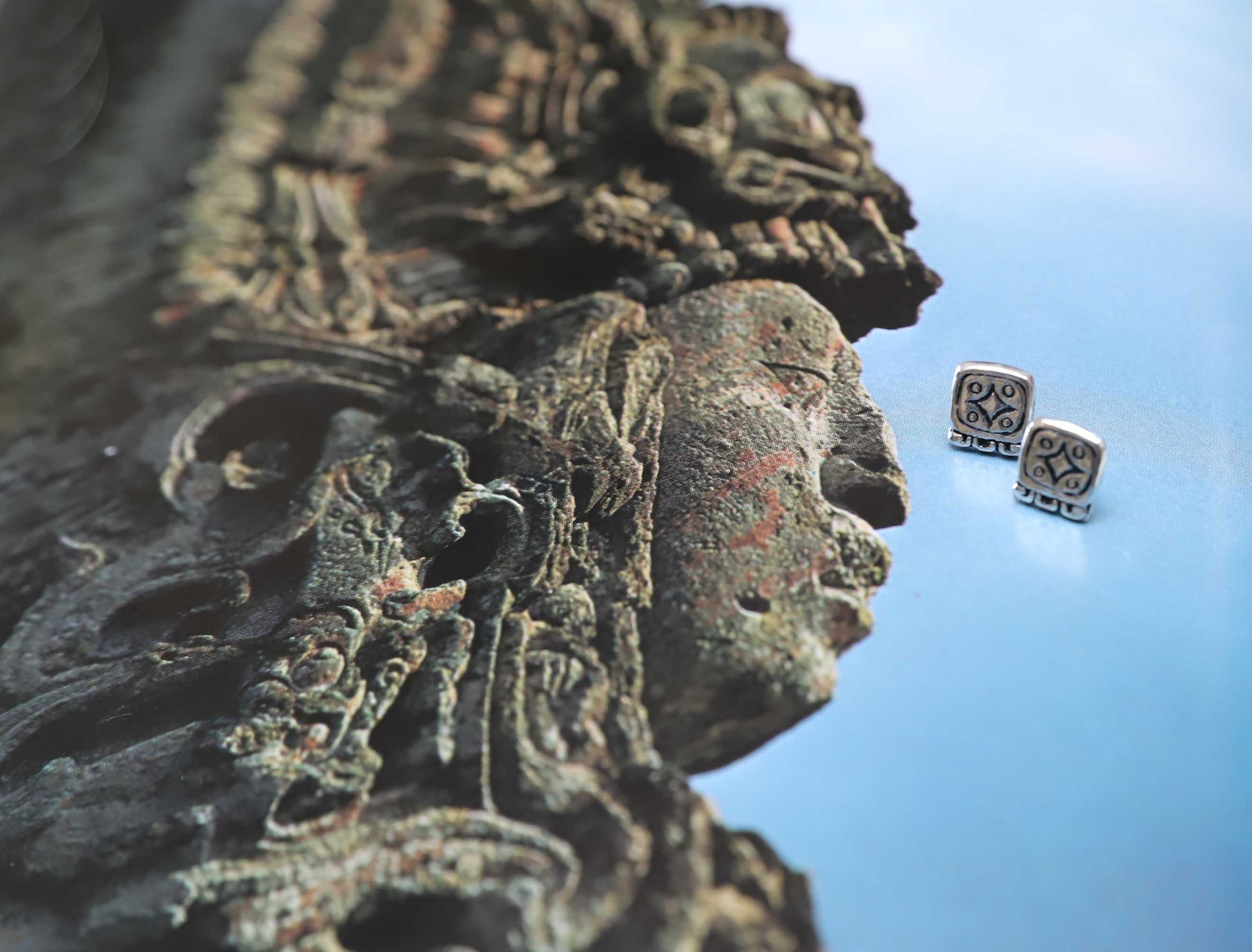 Aretes patacones Mayas