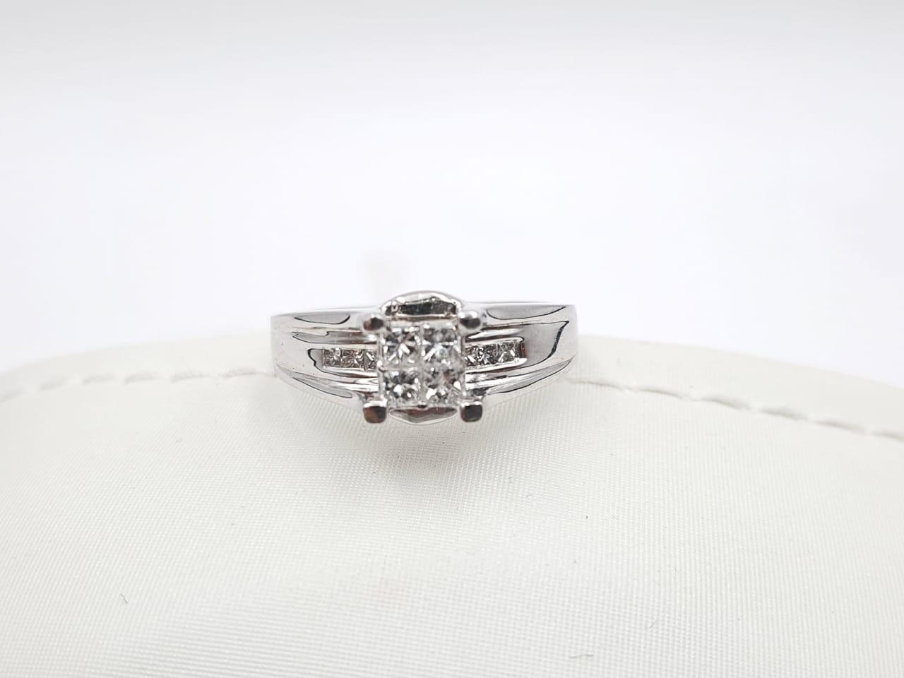 Anillo Compromiso Oro Blanco Con Diamante Cuadrado