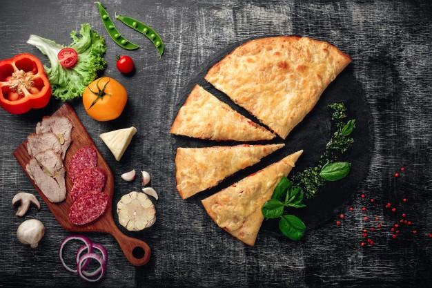 Calzone Pepperoni,Hongos y Jalapeño